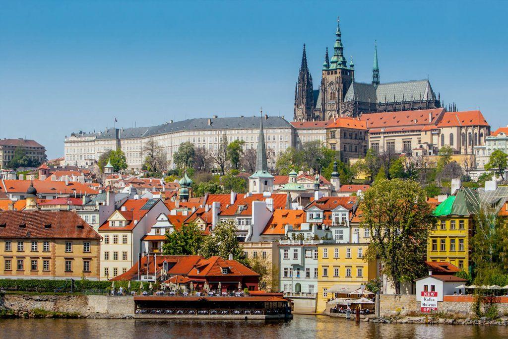Как получить бизнес-визу в Чехию в 2019 году