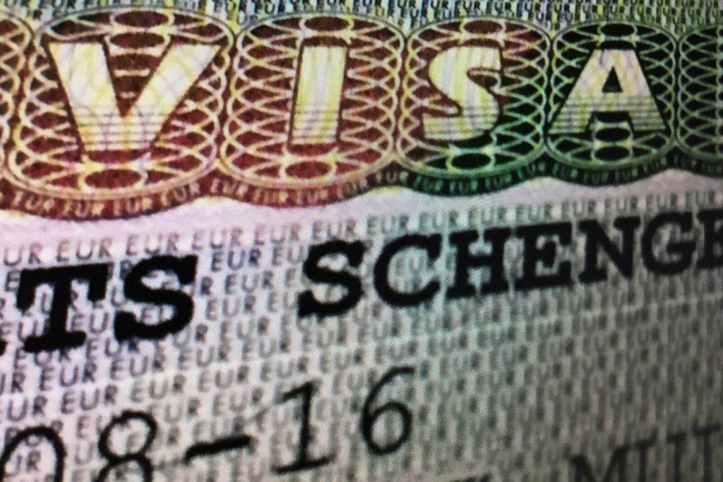 На сколько греки дают визу в 2019
