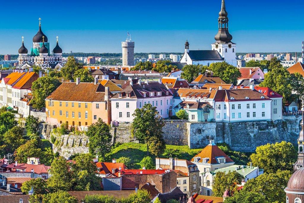 Виза в Эстонию россиянам нужна: список документов, заполнение анкеты, требования к фото