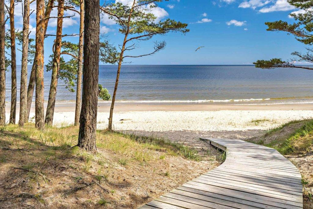 Изображение - Виза в латвию latvia-04-1024x683