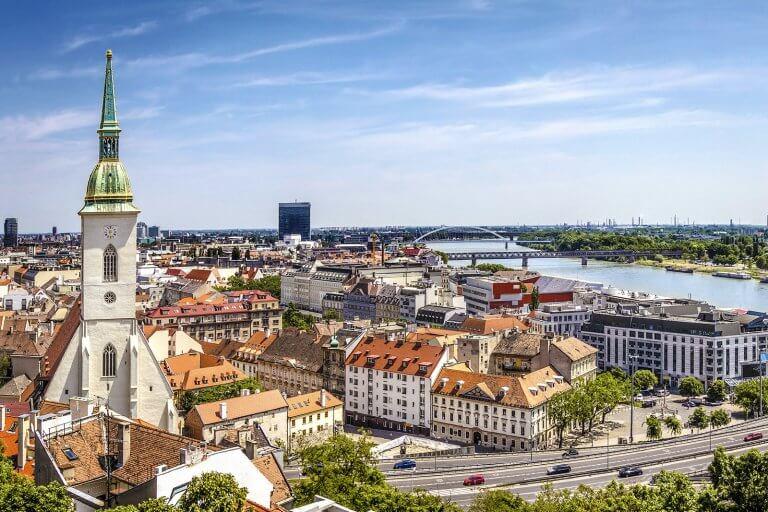 Самостоятельное оформление визы в Словакию: документы, анкета, требования к фото