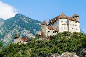 Виза в Лихтенштейн россиянам нужна: список документов, анкета, требования к фото