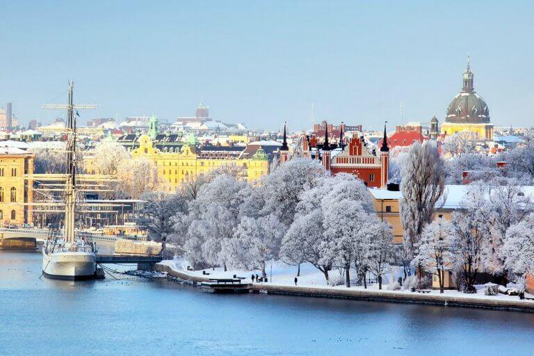Виза в Швецию россиянам нужна: необходимые документы, анкета, фото