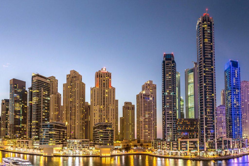 Нужно ли оформлять визу в ОАЭ?