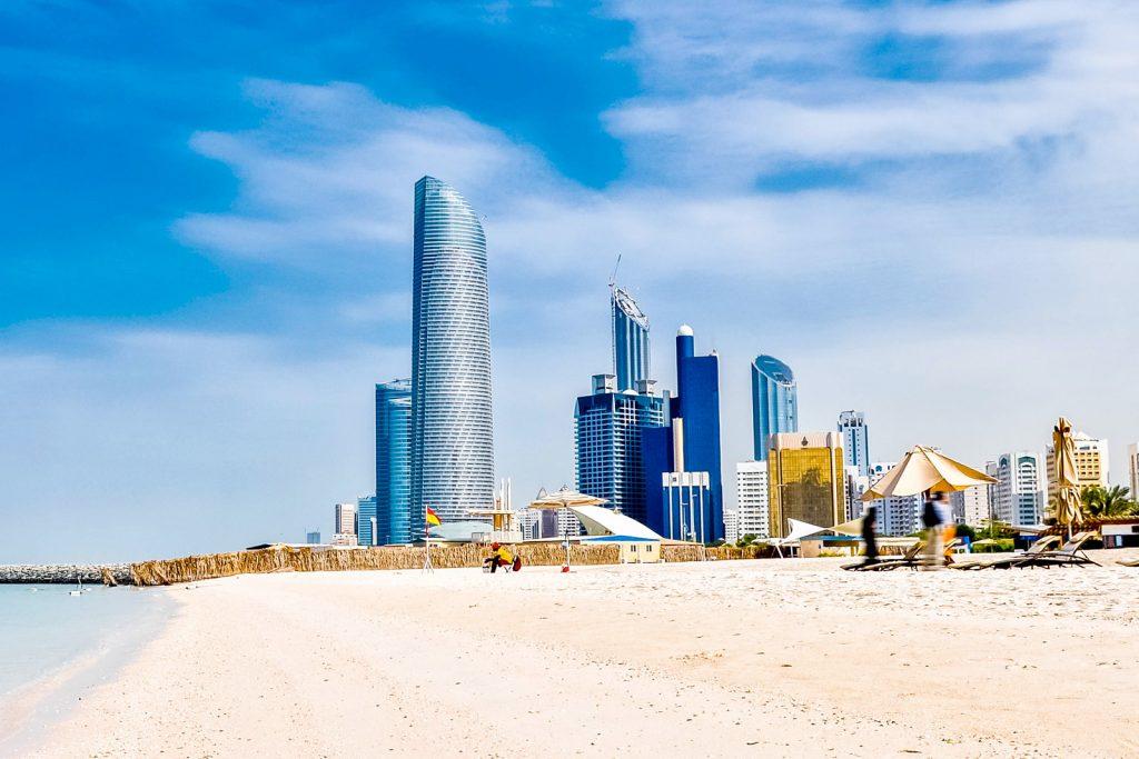Нужно ли получать визу в ОАЭ?