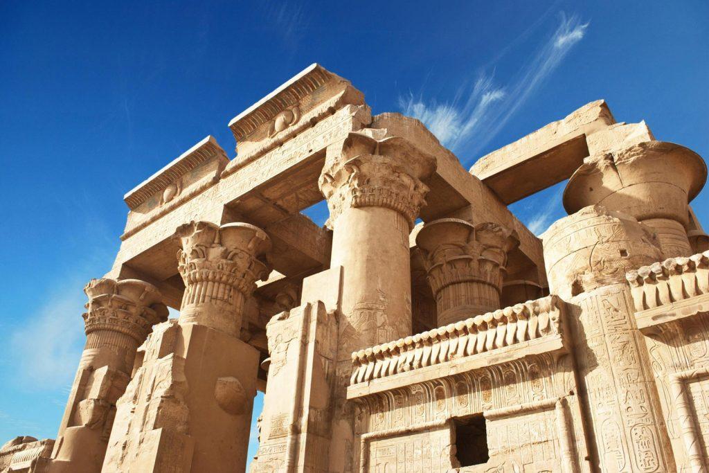 Виза в Египет россиянам нужна: туристы ее получают в аэропорту по прилету