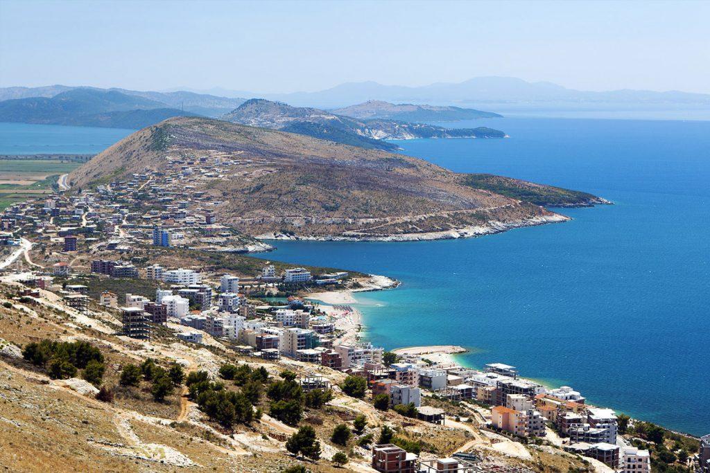 В Албанию можно поехать визы
