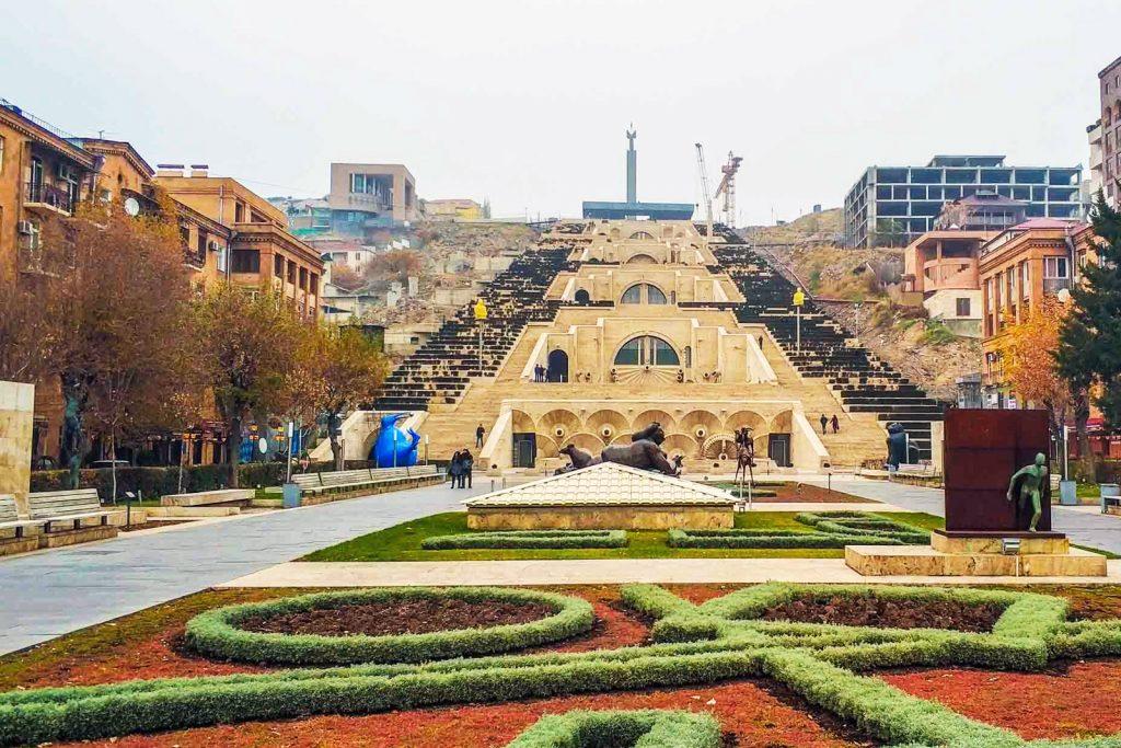В Армению можно поехать без визы