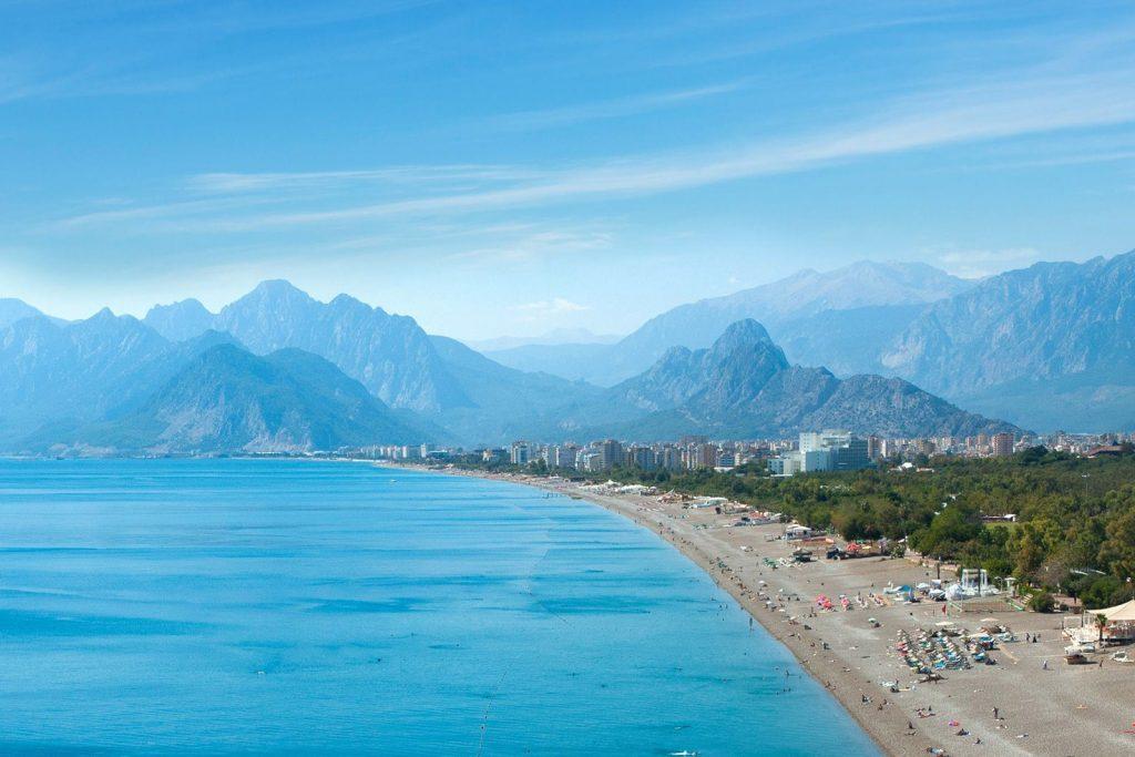 В Турцию можно поехать без визы
