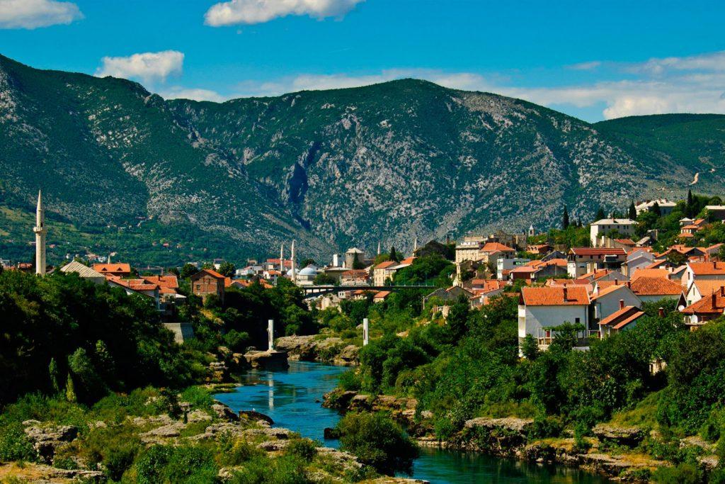 Нужно ли россиянам делать визу в Боснию?