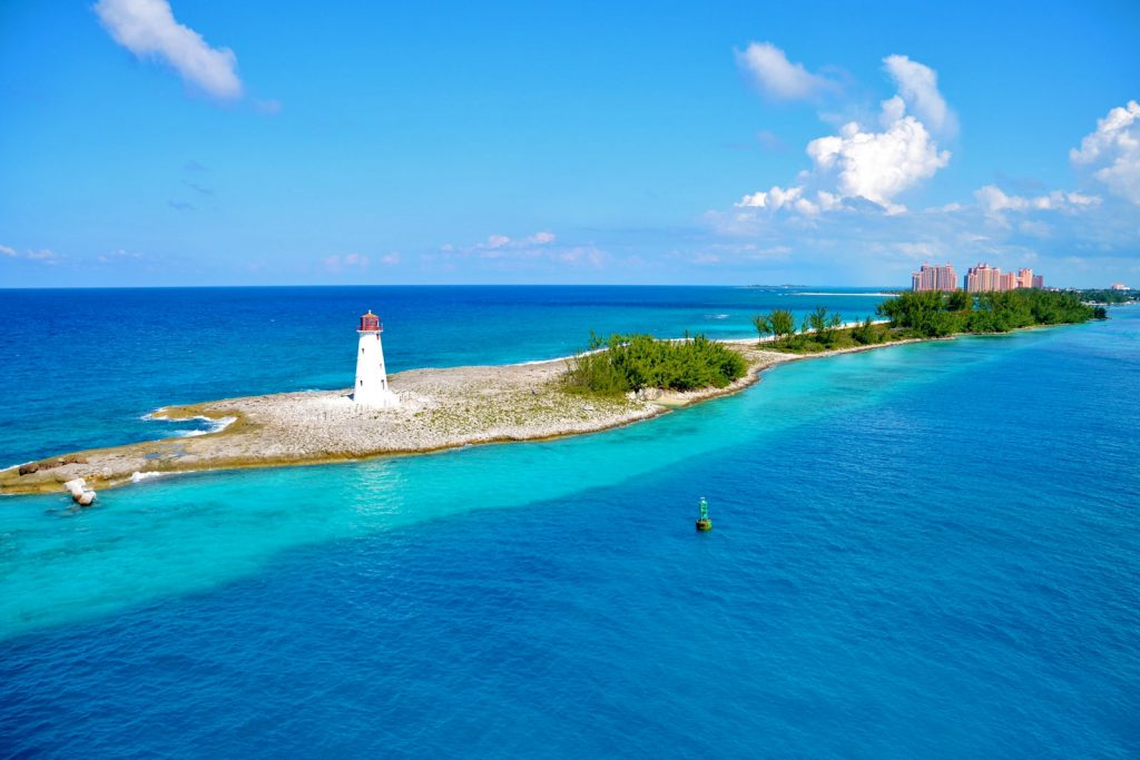 Какие документы нужны для поездки на Багамы?
