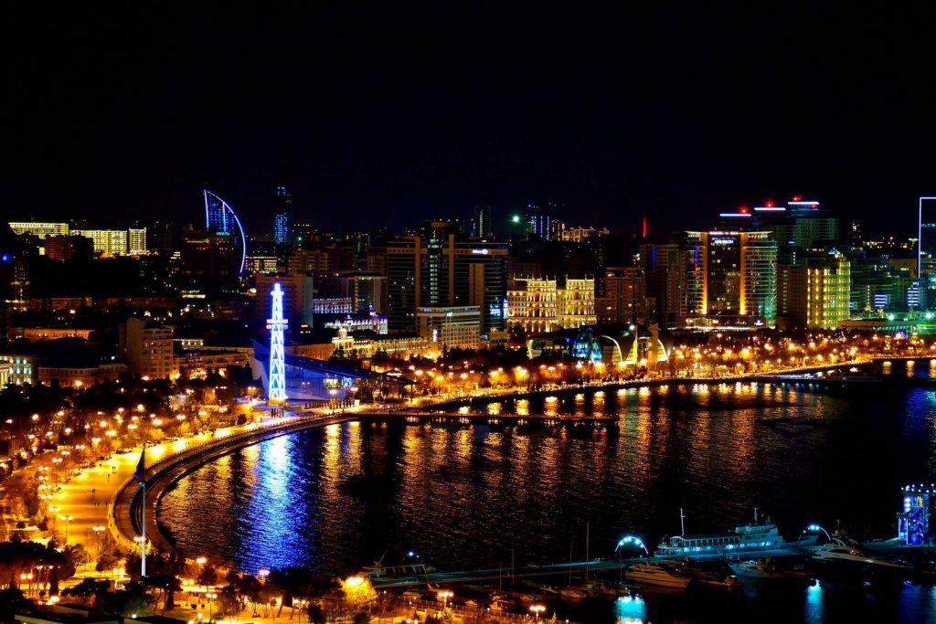 Нужен ли загранпаспорт в Баку?