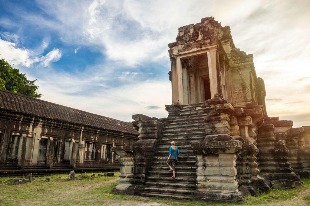 Какие документы нужны для поездки в Камбоджу?