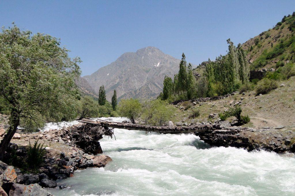 Какие документы нужны для поездки в Таджикистан?