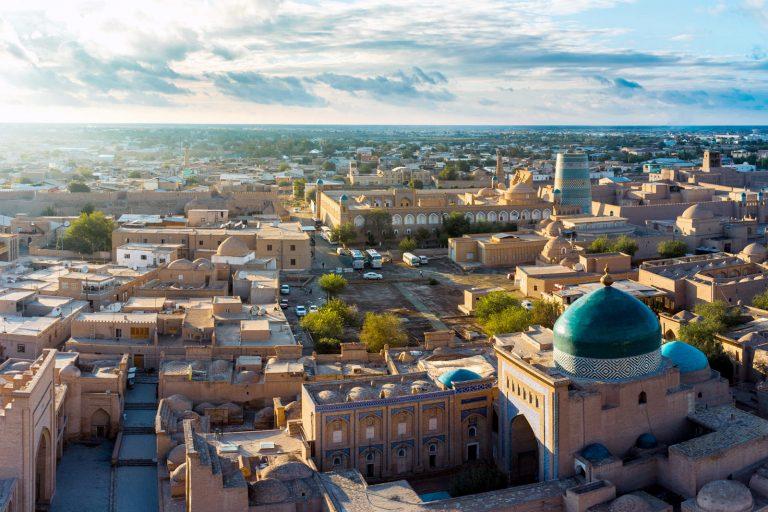 Виза в Узбекистан россиянам не нужна, для поездки понадобится только загранпаспорт