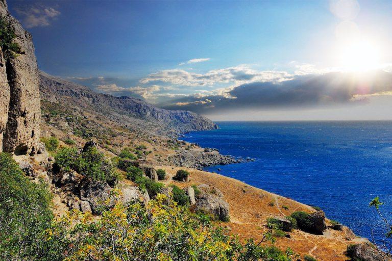 Поездка в Крым в [y] году, какие документы нужны