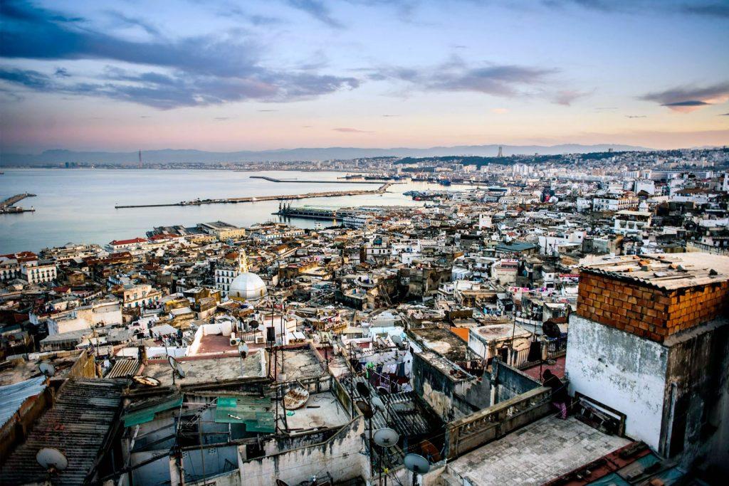 Нужно ли россиянам получать визу в Алжир?