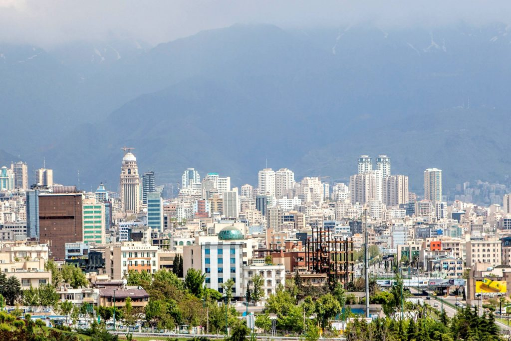 Нужно ли оформлять визу для поездки в Иран?