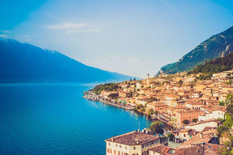 Работа в Италии: поиск вакансий, зарплаты в [y] году