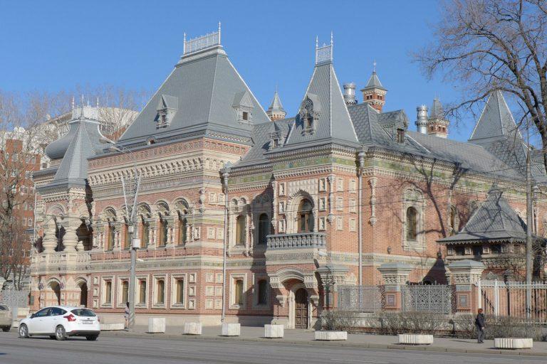 Посольство и консульство Франции в Москве, получение визы в [y] году без оплаты сервисного сбора